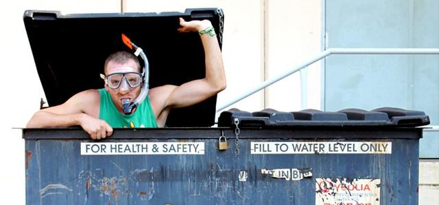 Dumpster diving Australie backpackers