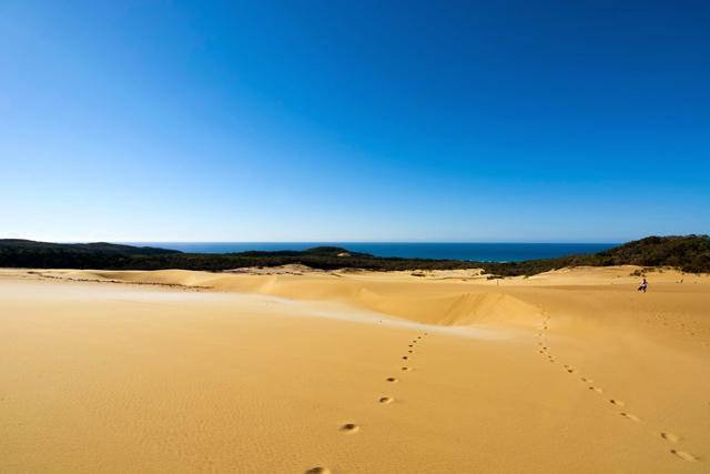 Fraser Island sand dunes australia