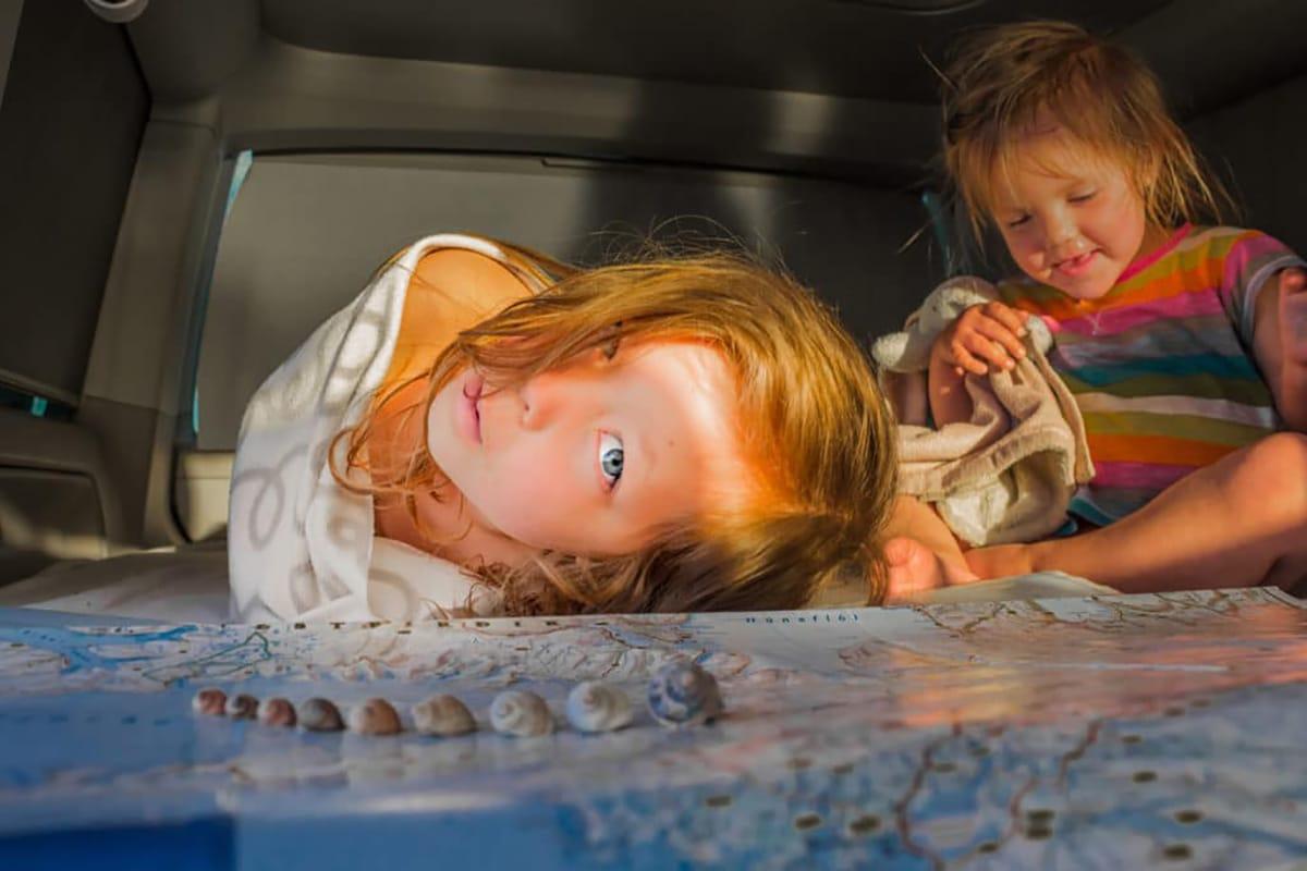 voyage-enfants-famille-vehicule
