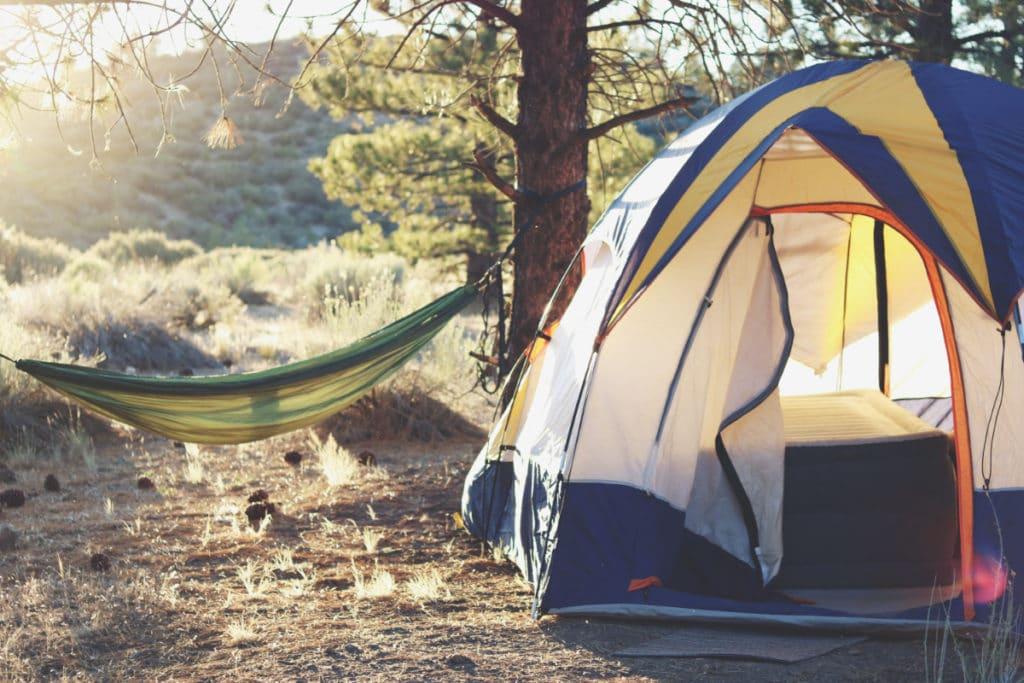 budget road trip logement camping